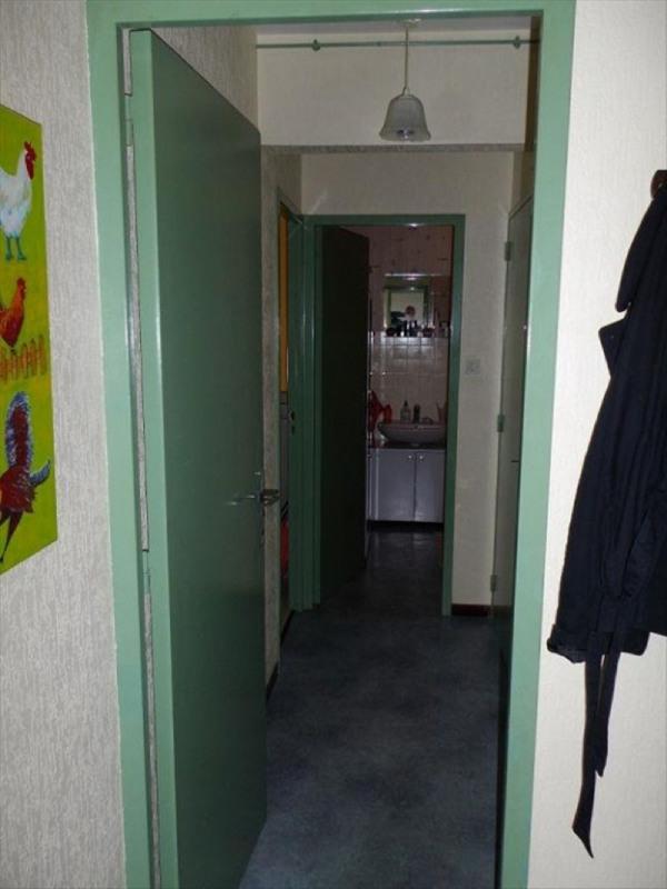 Sale apartment Peronnas 70000€ - Picture 4