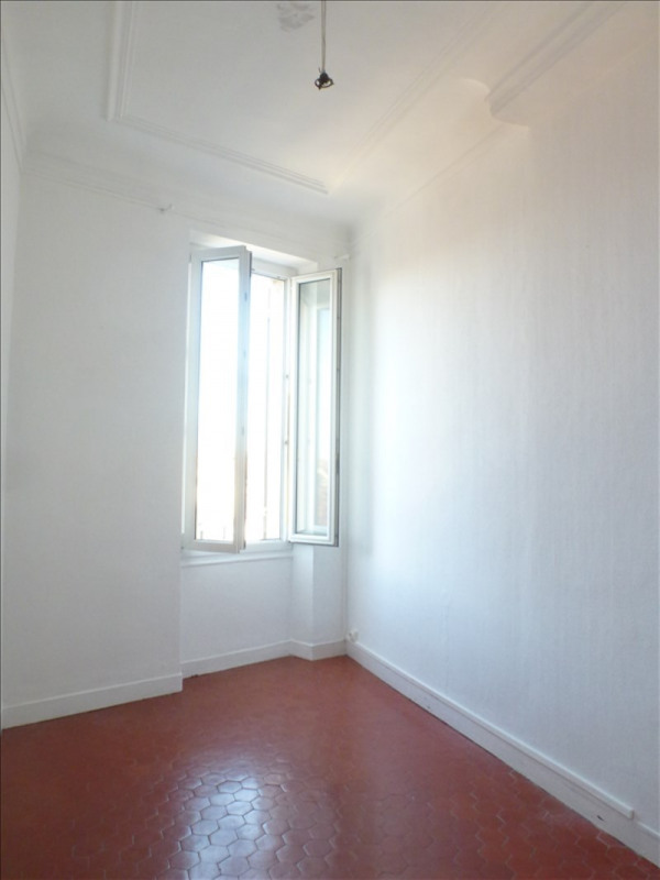 Rental apartment Marseille 4ème 450€ CC - Picture 1