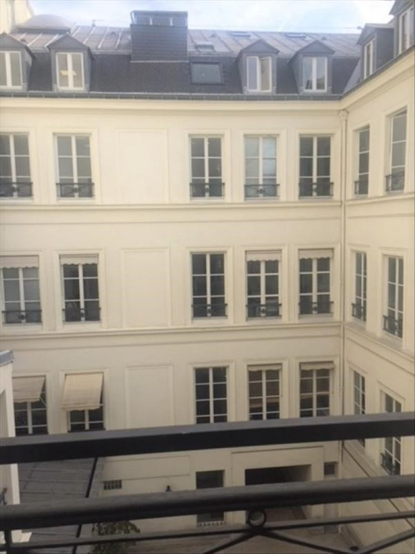Location appartement Paris 9ème 2 750€ CC - Photo 5