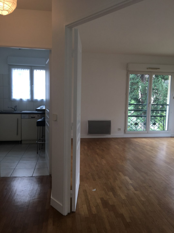 Sale apartment Courbevoie 440000€ - Picture 6
