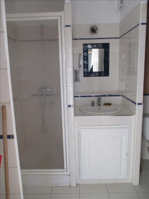 Rental apartment Salon de provence 615€ CC - Picture 5