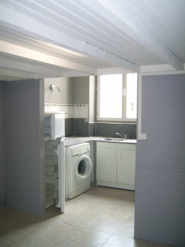 Location appartement Nimes 380€ CC - Photo 2