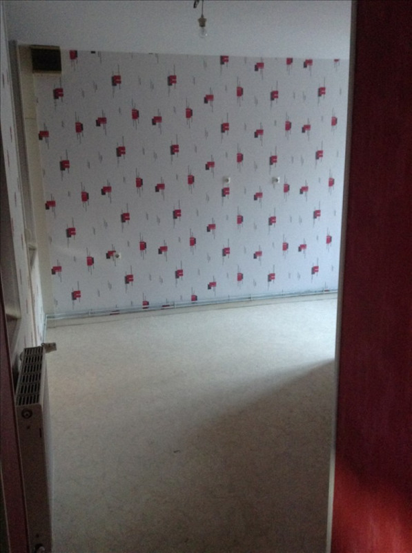 Rental apartment St quentin 420€ CC - Picture 5