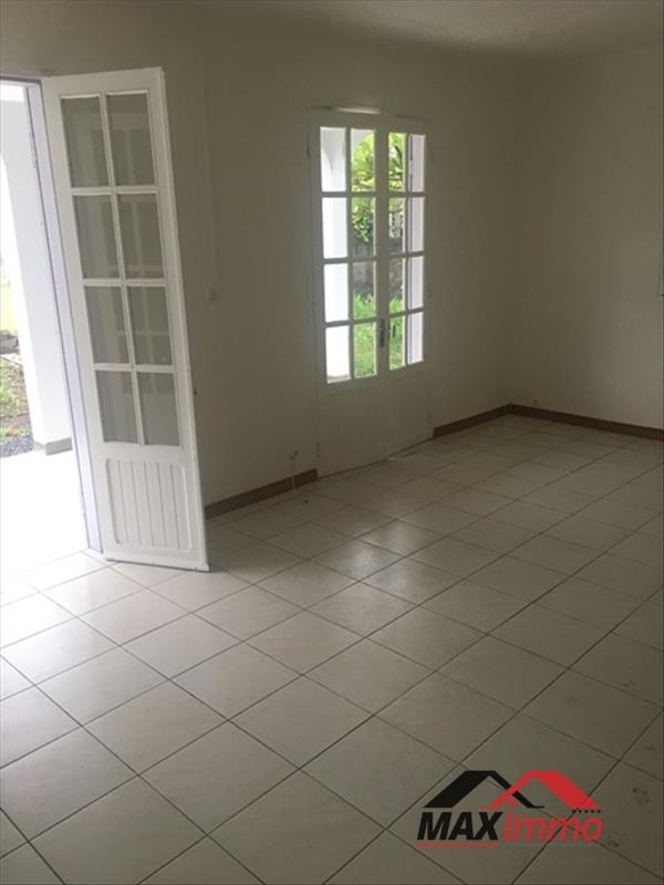 Location maison / villa Bois de nefles st paul 1 100€ CC - Photo 2