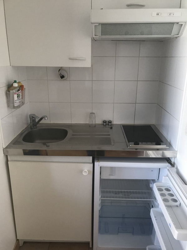 Location appartement Courbevoie 750€ CC - Photo 4