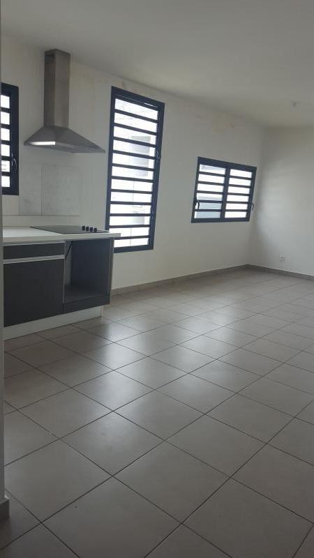 Rental apartment St paul 820€ CC - Picture 1