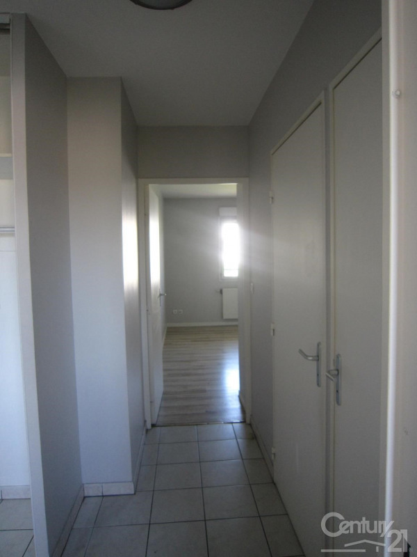 Location appartement Decines charpieu 798€ CC - Photo 9