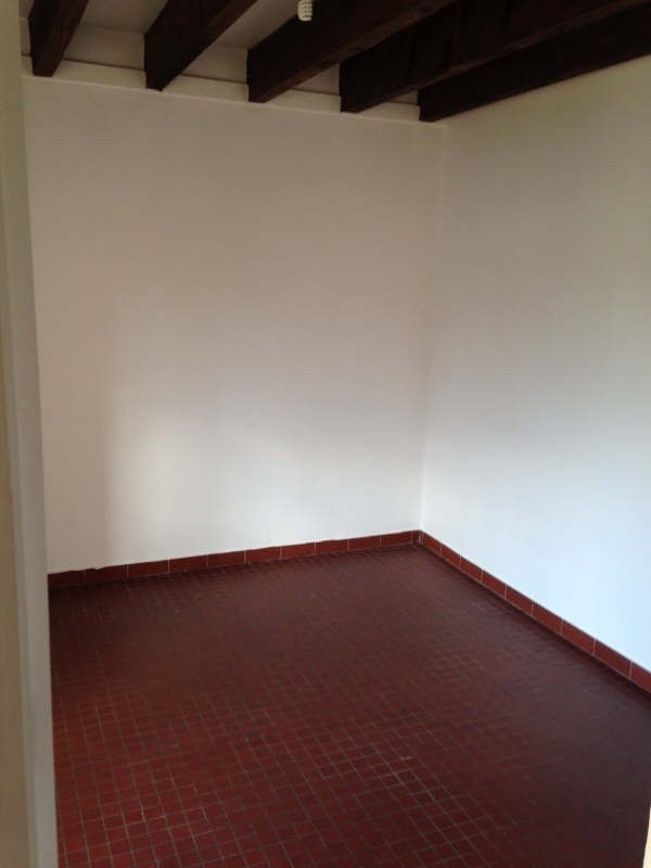 Rental apartment Le chatelet en brie 782€ CC - Picture 2