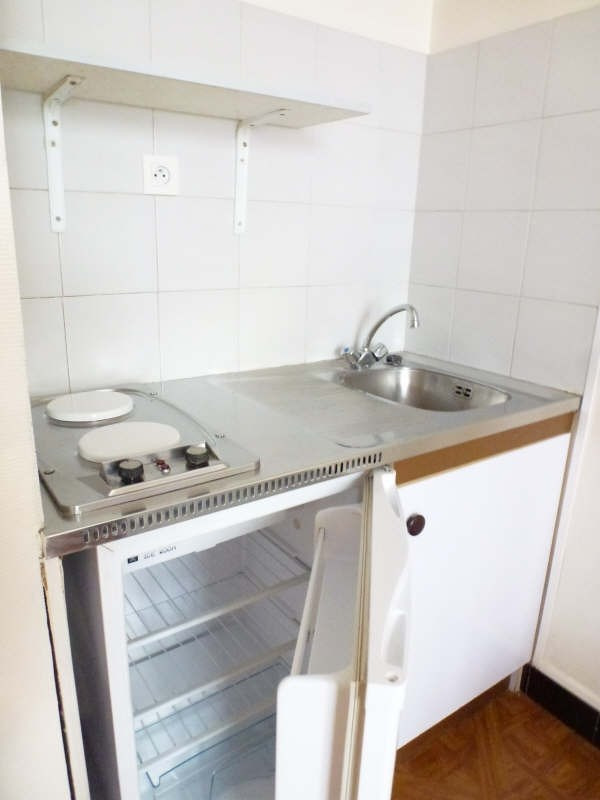 Location appartement Marseille 8ème 360€ CC - Photo 3