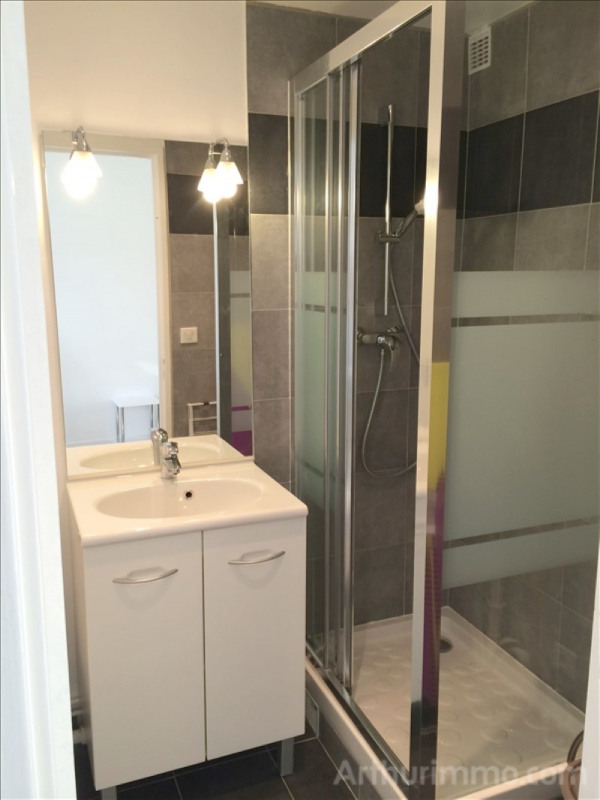 Location appartement Asnieres sur seine 755€ CC - Photo 3