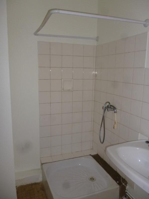 Location appartement Le coteau 310€ CC - Photo 4