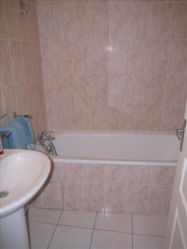 Locação apartamento Chanteloup les vignes 720€ CC - Fotografia 2