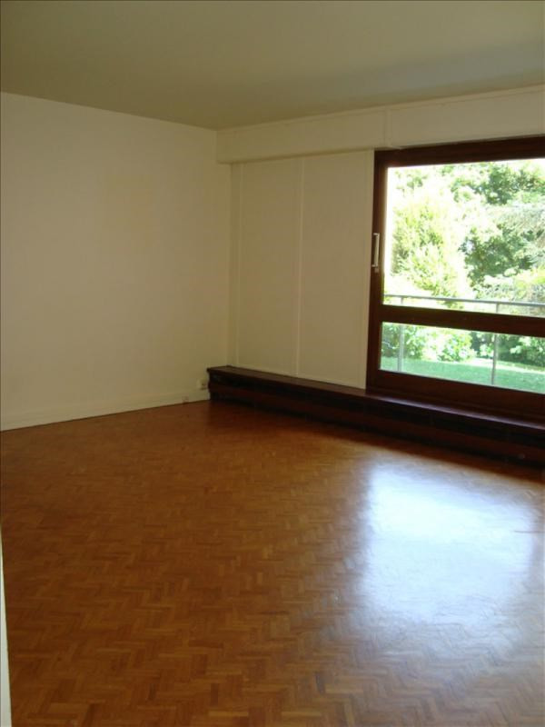 Rental apartment Louveciennes 1 300€ CC - Picture 4