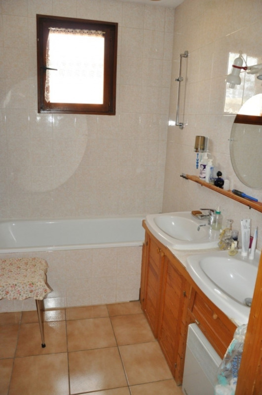 Sale house / villa Pommiers 235000€ - Picture 9