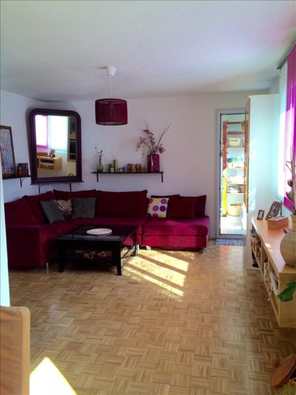 Sale apartment Plaisir 184000€ - Picture 1