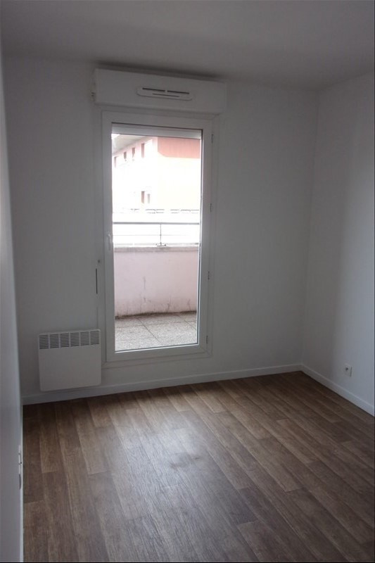 Rental apartment La plaine st denis 1 208€ CC - Picture 3