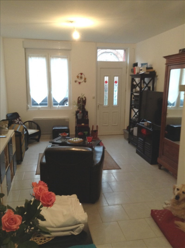 Rental house / villa St quentin 550€ CC - Picture 2