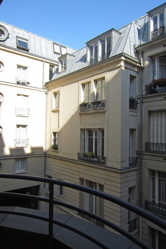 Rental apartment Paris 9ème 1590€ CC - Picture 13