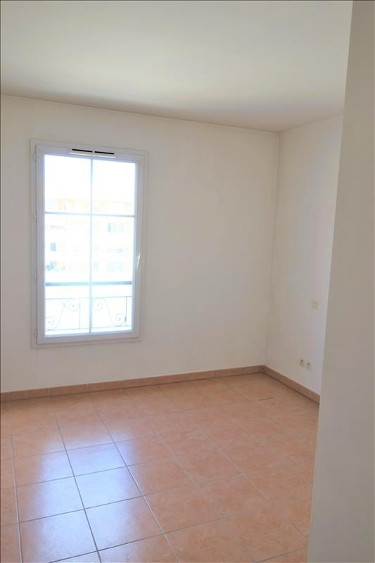 Location appartement Aubagne 730€ CC - Photo 3