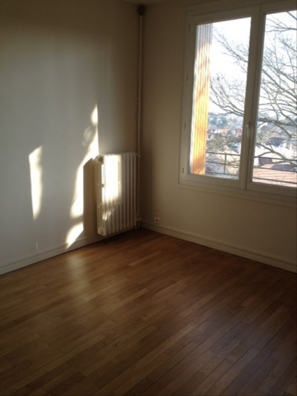 Rental apartment Marly le roi 1 031€ CC - Picture 6