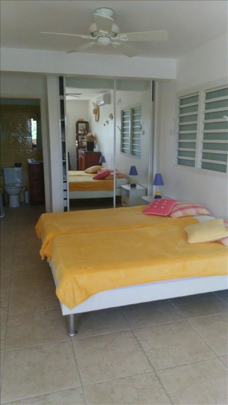 Deluxe sale house / villa Ste anne 1010000€ - Picture 14