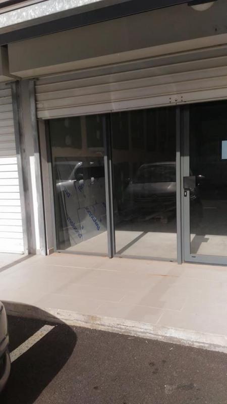 Rental empty room/storage Basse terre 1500€ CC - Picture 3