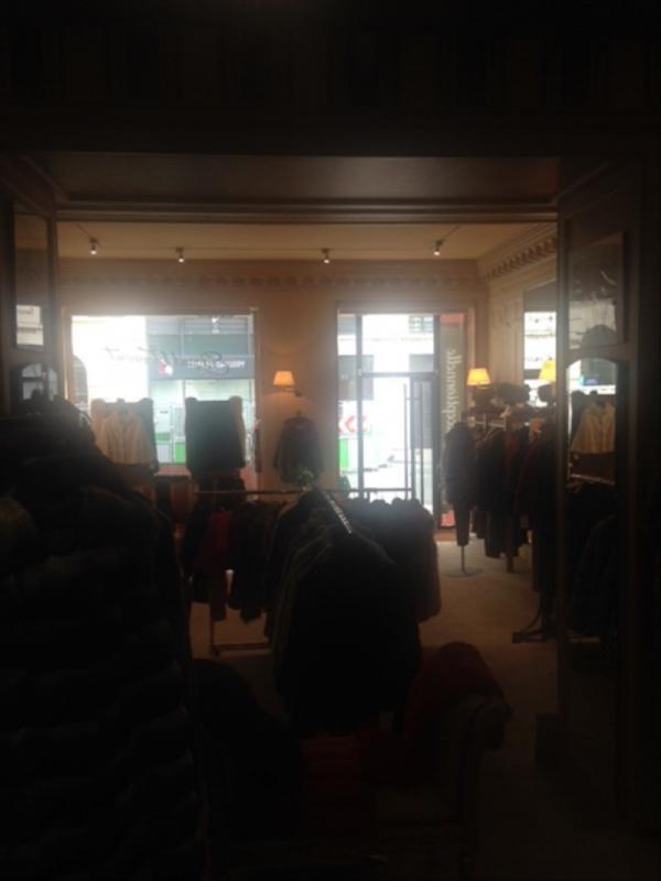 Vente boutique Paris 8ème 392000€ - Photo 5