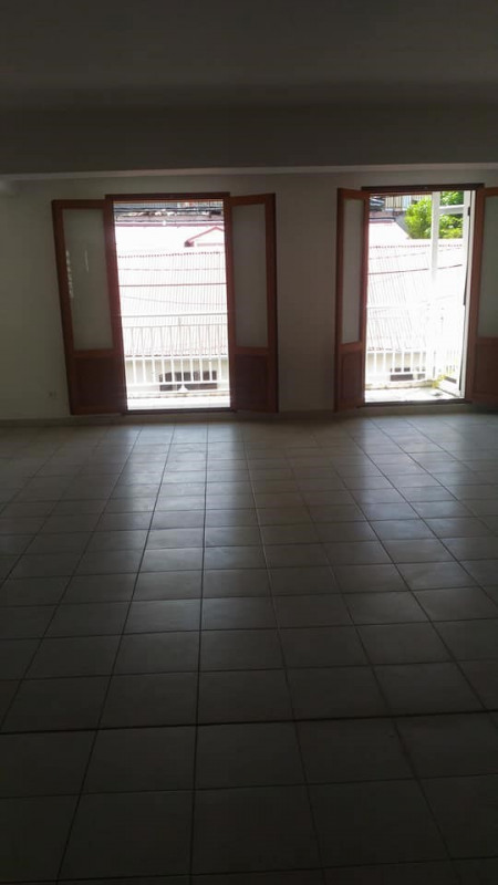 Rental office Basse terre 1 106€ CC - Picture 6