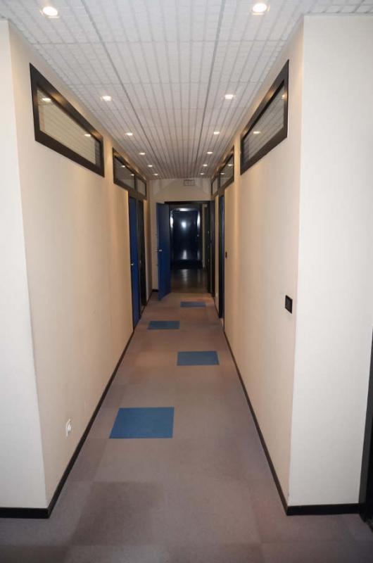 Revenda escritório Vienne 578000€ - Fotografia 4