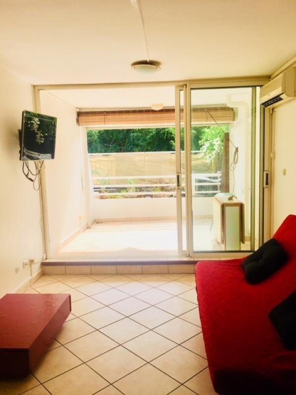 Rental apartment St gilles les bains 800€ CC - Picture 1
