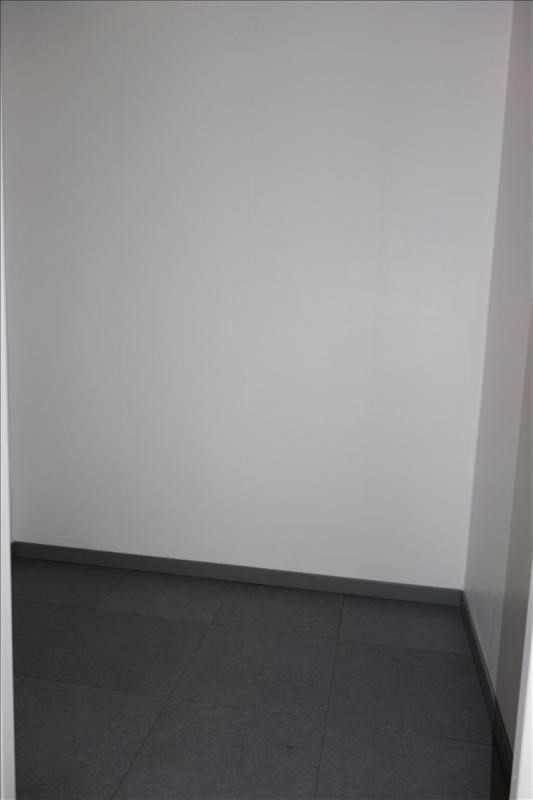 Rental apartment Hyeres 550€ CC - Picture 5