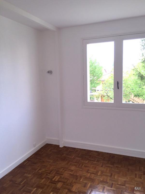 Rental apartment Bron 740€ CC - Picture 3