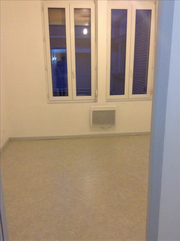 Rental apartment St quentin 456€ CC - Picture 5