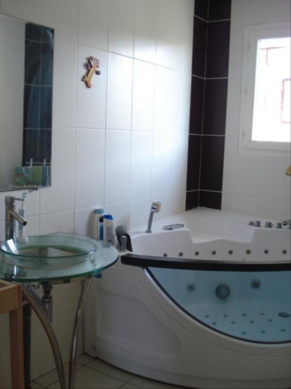 Sale house / villa Brach 336000€ - Picture 7