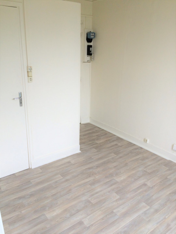 Location appartement Épinay-sur-seine 385€ CC - Photo 4