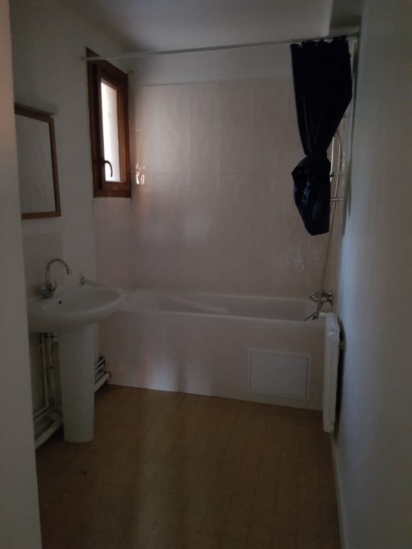 Location appartement Aix en provence 978€ CC - Photo 3