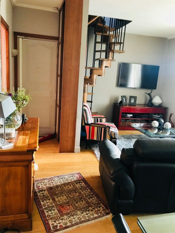 Sale apartment Colombes 383000€ - Picture 2