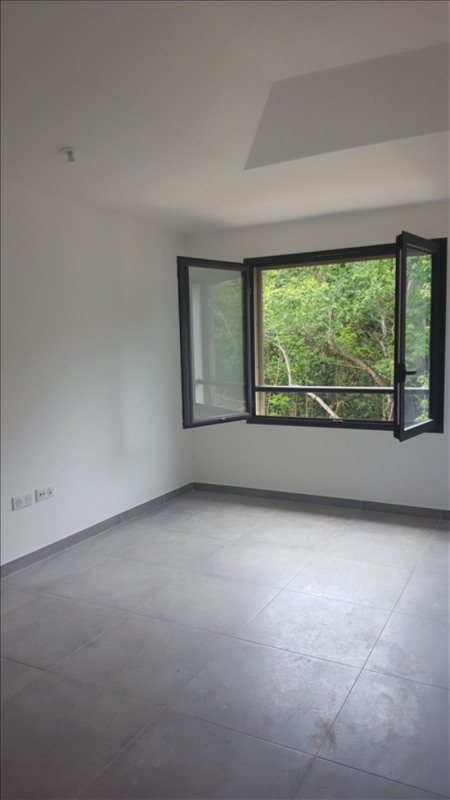 Rental house / villa La possession 1 539€ CC - Picture 2