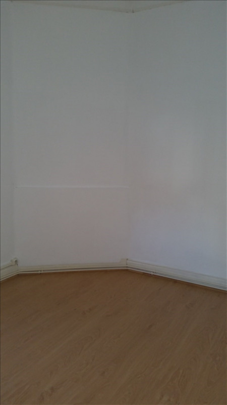 Rental apartment St quentin 425€ CC - Picture 5