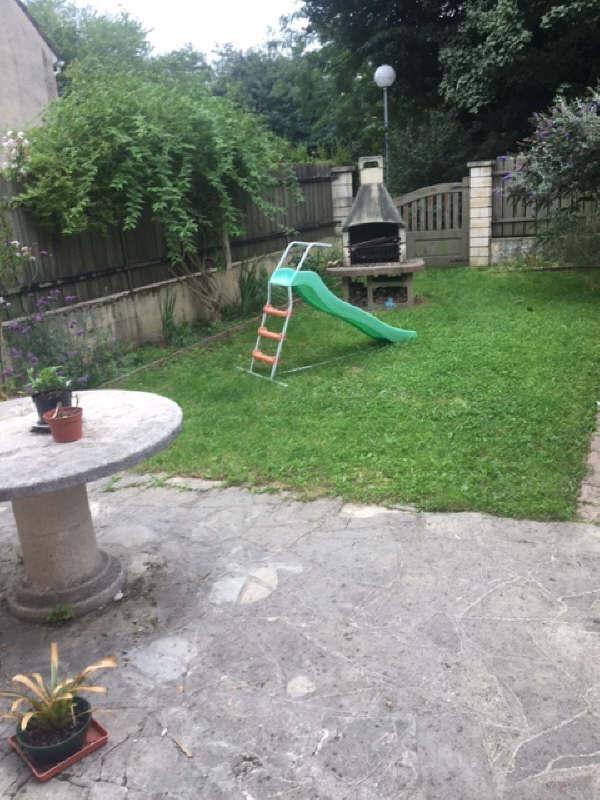 Sale house / villa Combs la ville 228000€ - Picture 1