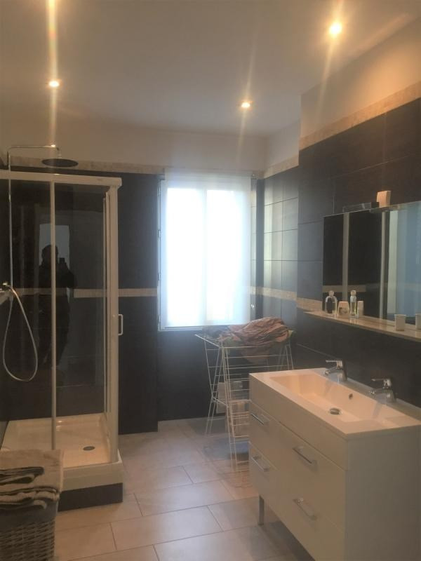 Location appartement Marseille 6ème 1 450€ CC - Photo 5