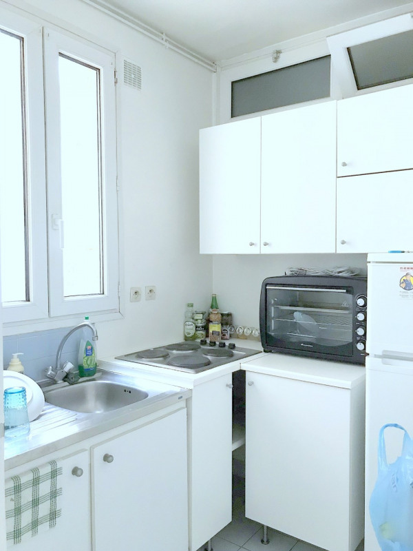 Location appartement Paris 15ème 1 025€ CC - Photo 2