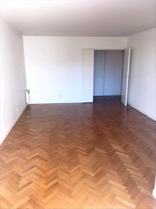 Rental apartment Carrieres sur seine 1 105€ CC - Picture 3