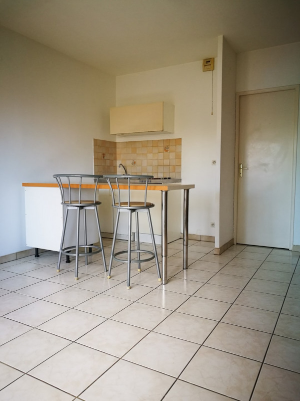 Location appartement Melun 580€ CC - Photo 2
