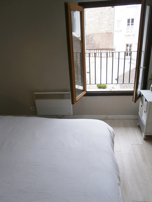 Location appartement Fontainebleau 830€ CC - Photo 4