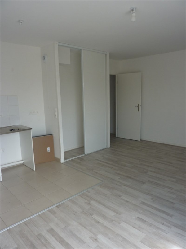 Location appartement Chessy 985€ CC - Photo 4