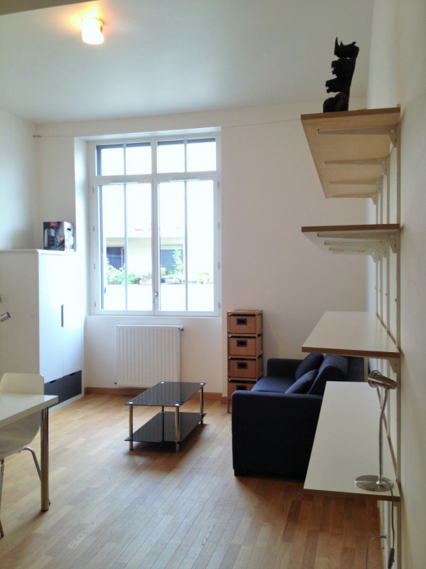Location appartement Paris 11ème 1 070€ CC - Photo 3