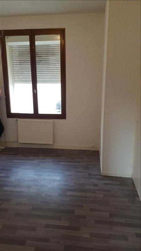 Rental apartment St quentin 440€ CC - Picture 5