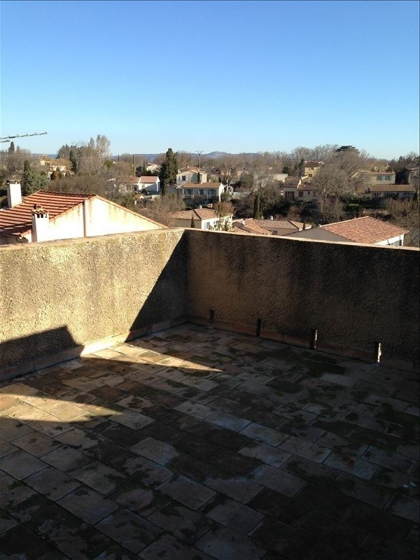 Location maison / villa Grans 750€ CC - Photo 2