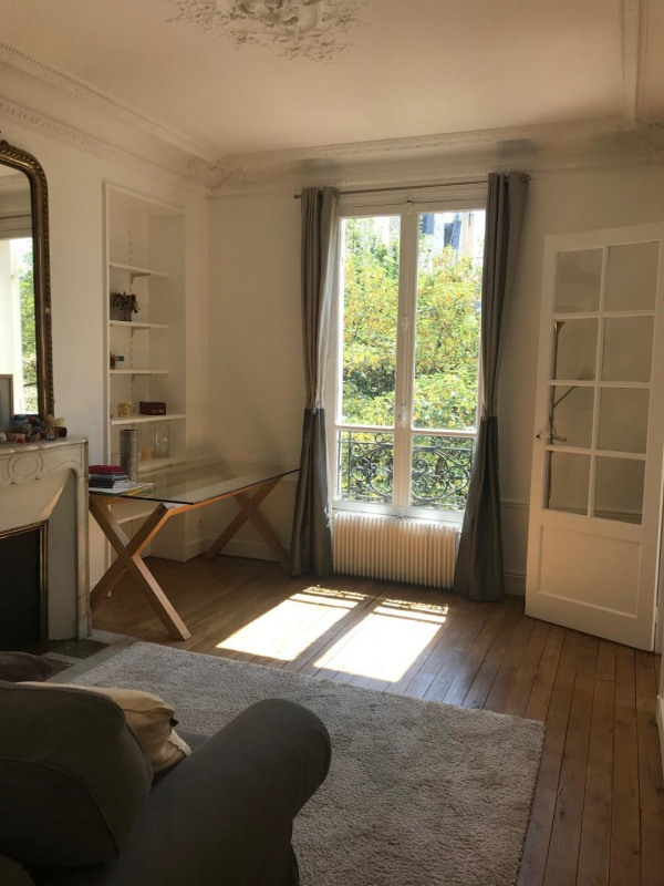 Location appartement Paris 17ème 1 580€ CC - Photo 1